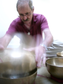 Peter Blum playing Singing Bowls